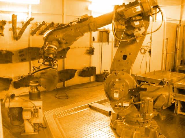 ABB Roboter in Schleifzelle