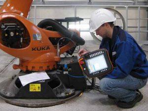KUKA Roboterprogrammierung / Roboterprogrammierer